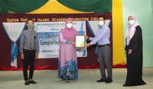 Former Principal receives PAMES